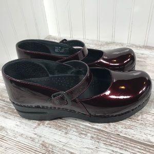Dansko patent leather Mary Jane clogs - 39
